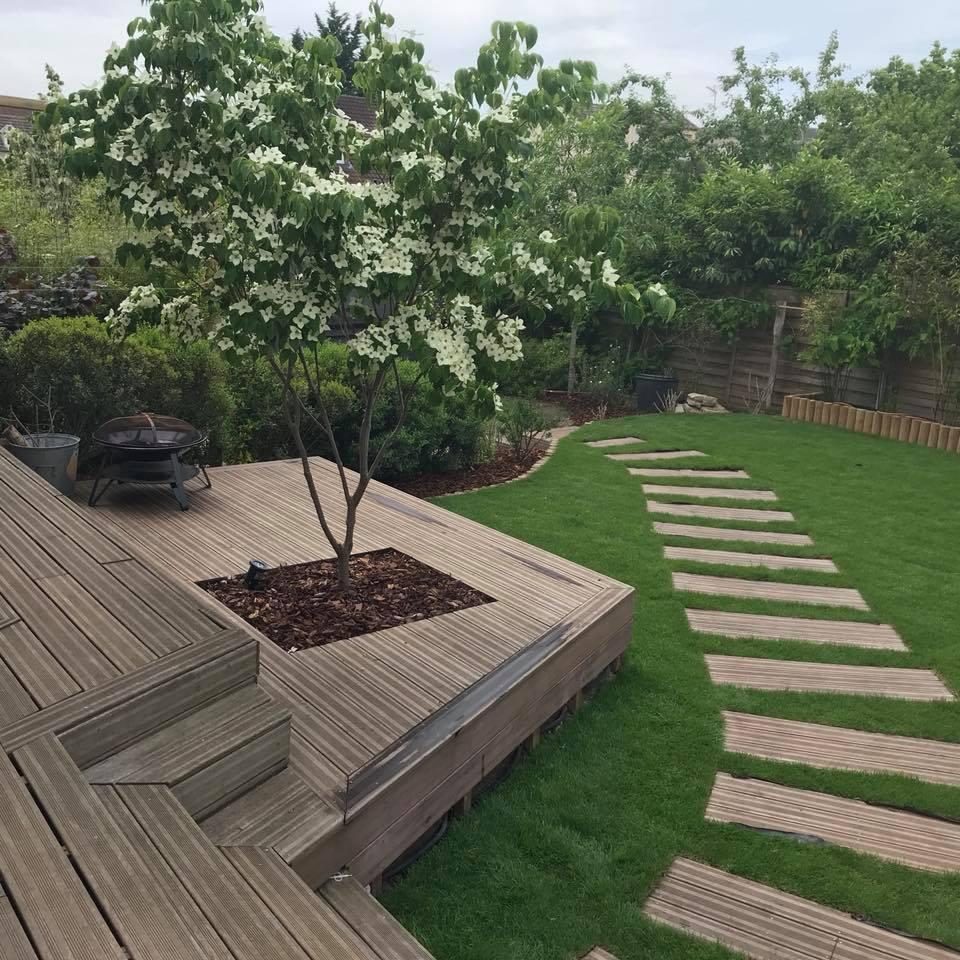 Jardin moderne à Croissy sur Seine (78) - Glenn Tay Paysagiste